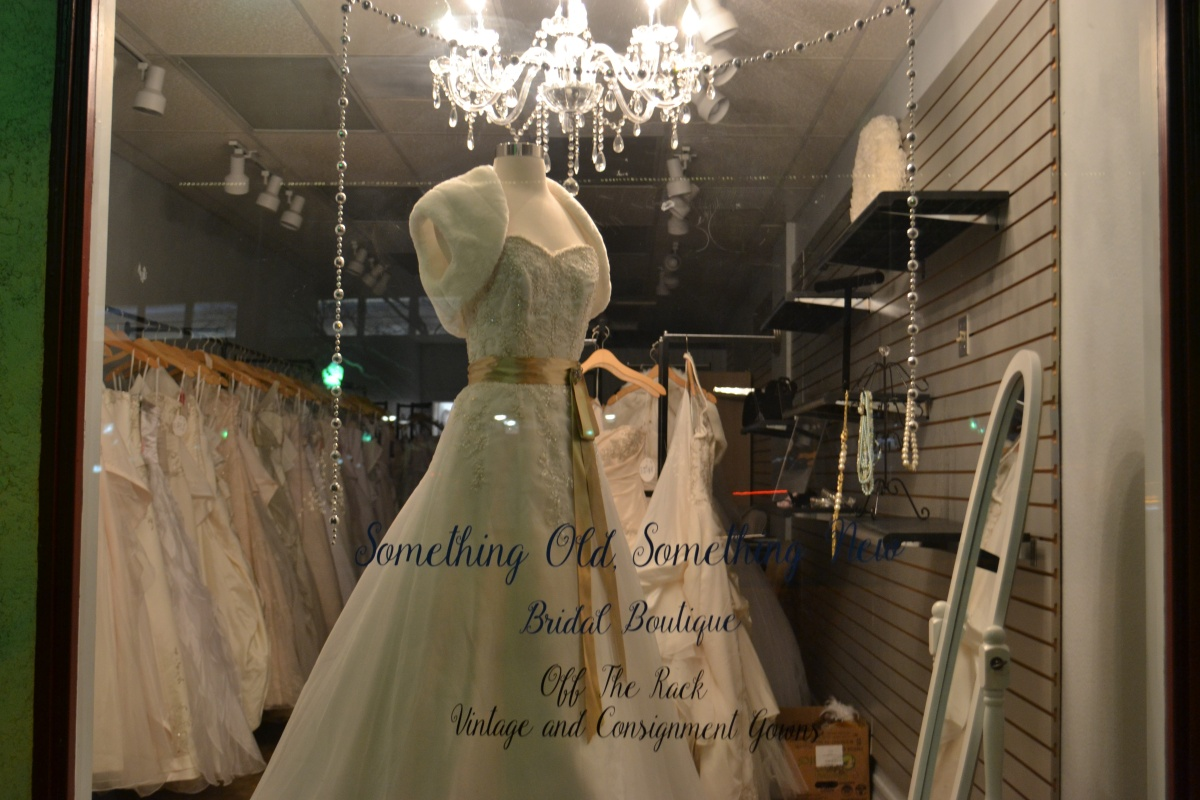 Off the rack designer gowns for Off the rack wedding dresses san francisco